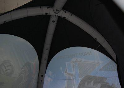 Bridgestone - Interior de tenda
