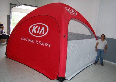 KIA - Event Tent 4000 com impressão na cobertura e laterais